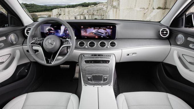 Mercedes Classe E All-Terrain: l'abitacolo interno