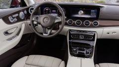 Mercedes Classe E Coupé: 2 grossi monitor da 12,3 pollici ciascuno occupano la parte superiore