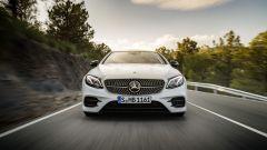 Mercedes Classe E Coupé: il disegno del frontale è aggressivo