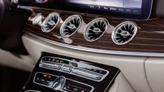 Mercedes Classe E Coupé: rispetto alla berlina varia il disegno delle bocchette d'aerazione
