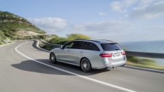 Mercedes Classe E Station Wagon: spazio, lusso e tecnologia - Immagine: 31