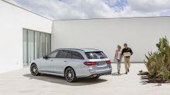Mercedes Classe E Station Wagon: spazio, lusso e tecnologia - Immagine: 43
