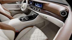 Mercedes Classe E Station Wagon: per comandare l'infotainment ci si affida alla classica rotella