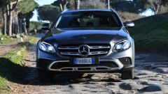 Mercedes Classe E SW All-Terrain: griglia anteriore più rustica a due lamelle