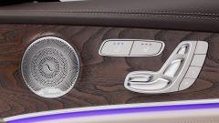 Mercedes Classe E Wagon: dettaglio delle regolazioni del sedile sulla portiera