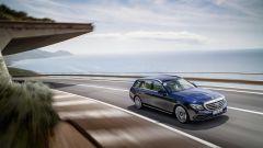 Mercedes Classe E Wagon: vista 3/4 anteriore lato destro