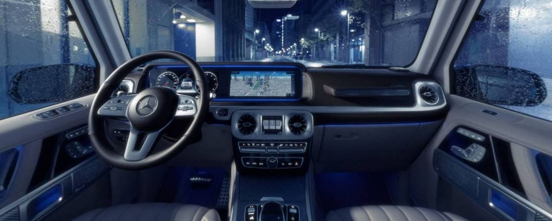 Mercedes Classe G 2019, gli interni in video