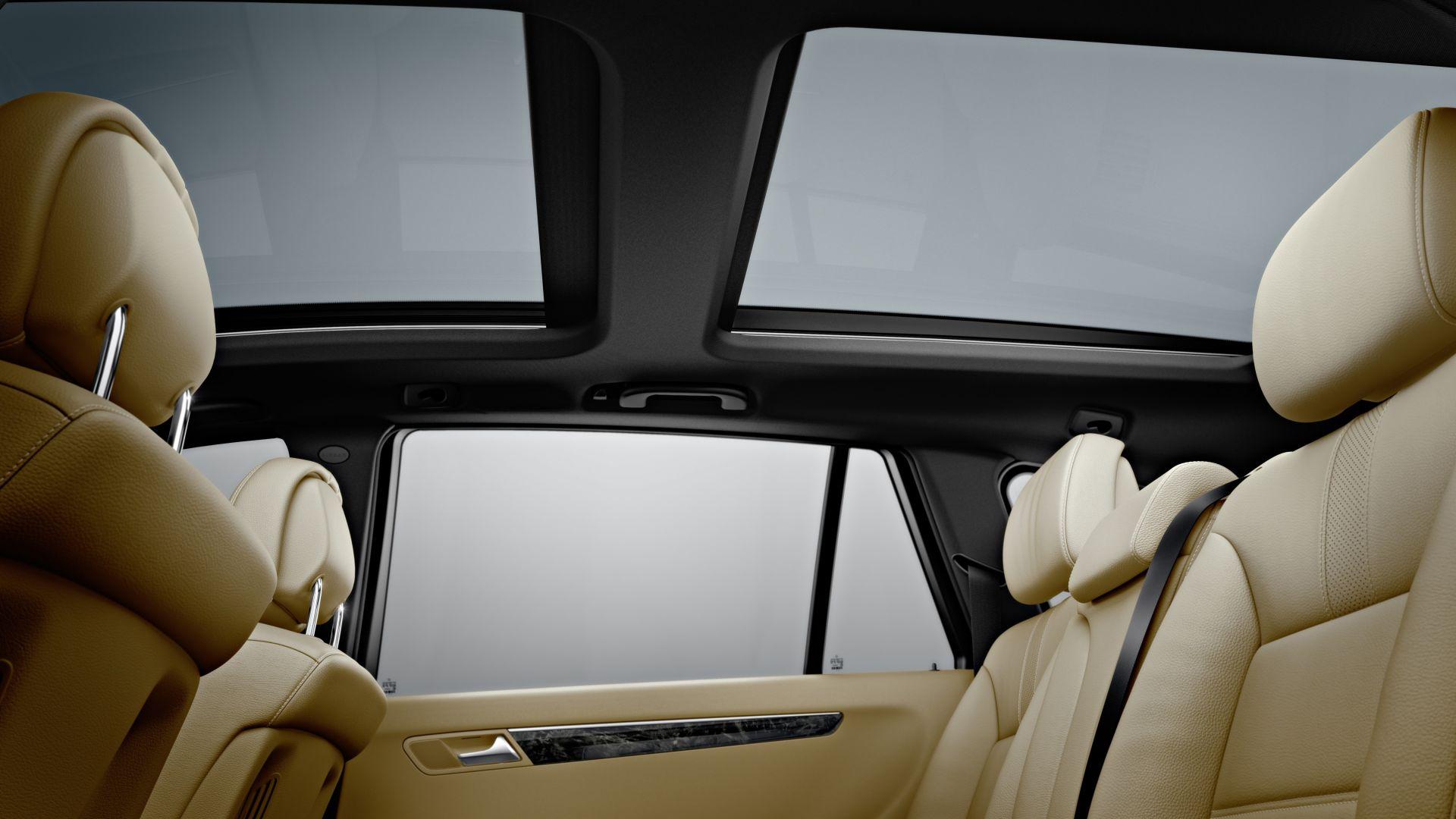 Immagine 12: Mercedes Classe R 2011