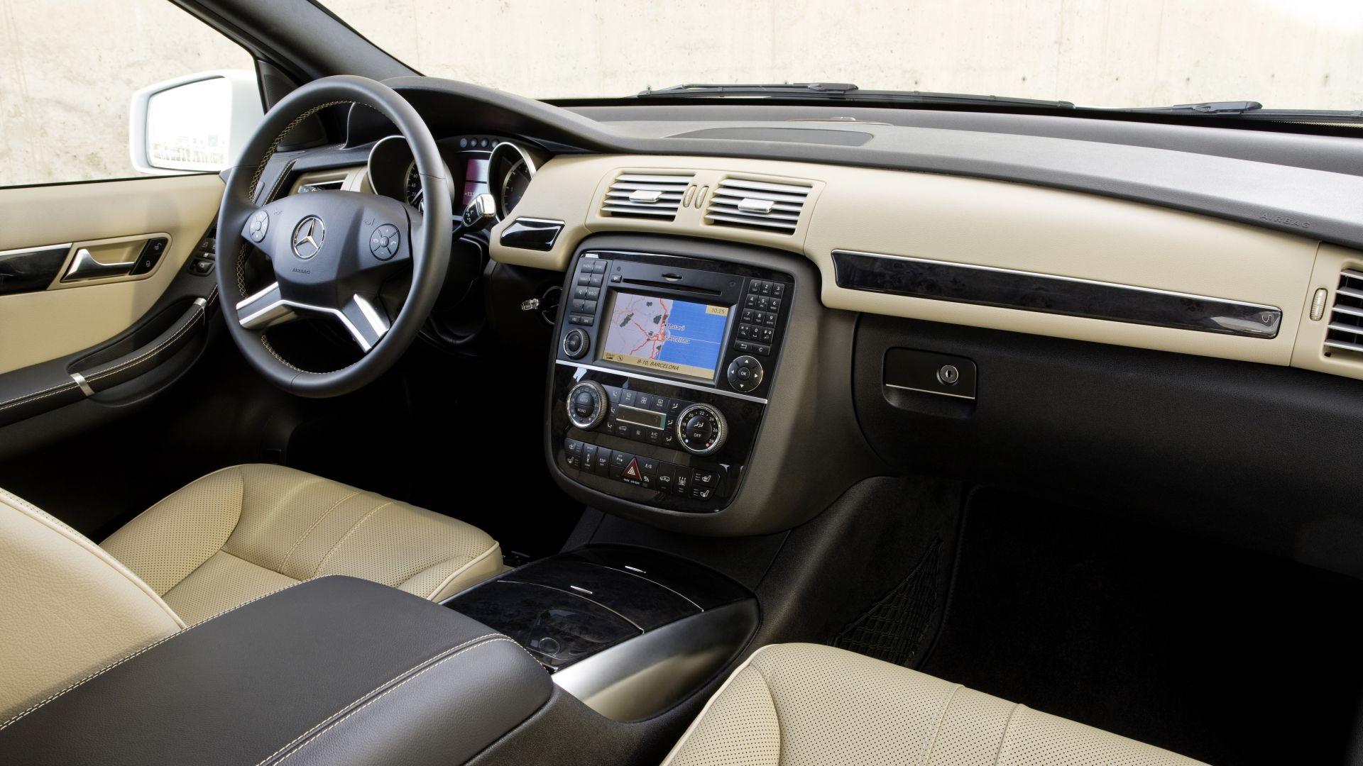 Immagine 8: Mercedes Classe R 2011
