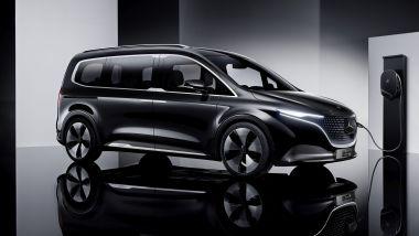 Mercedes Concept EQT: in carica