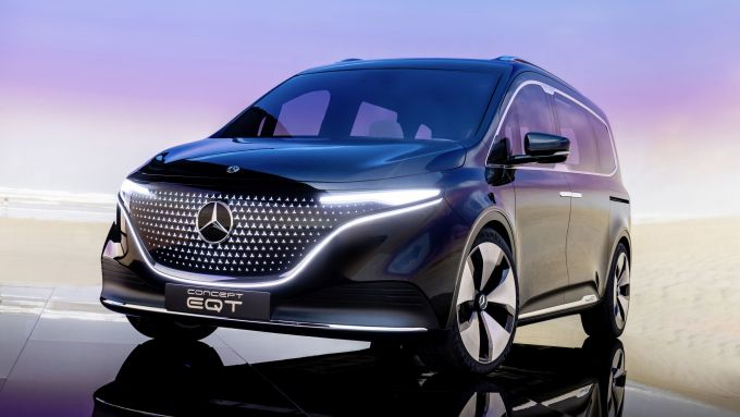 Mercedes Concept EQT: visuale di 3/4 anteriore