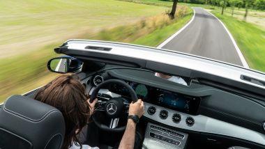 Mercedes E 220 d cabrio: comfort e lusso come da copione