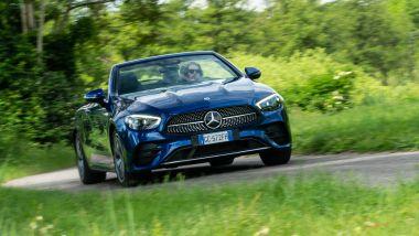 Mercedes E 220 d cabrio: erogazione vellutata per il massimo relax di guida