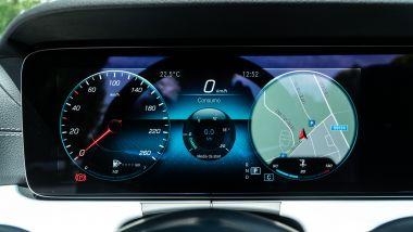 Mercedes E 220 d cabrio: la strumentazione digitale configurabile