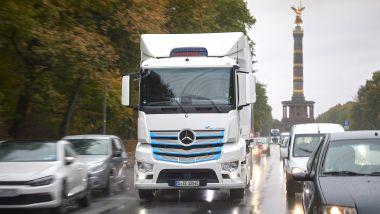 Mercedes e l'idrogeno: stop alle auto, avanti con i camion