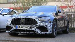 Mercedes E63 AMG 2020: 3/4 anteriore