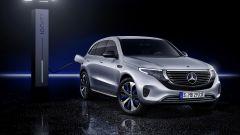 Nuova Mercedes EQC: il Suv elettrico in video da Parigi 2018 - Immagine: 21