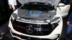 Nuova Mercedes EQC: il Suv elettrico in video da Parigi 2018 - Immagine: 26