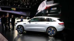 Nuova Mercedes EQC: il Suv elettrico in video da Parigi 2018 - Immagine: 27