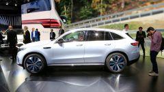 Nuova Mercedes EQC: il Suv elettrico in video da Parigi 2018 - Immagine: 33