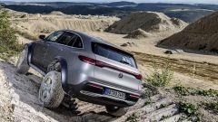 Mercedes EQC 4x4²: angoli di attacco, uscita e brakeover migliorano di molto