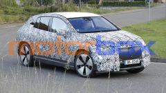 Foto spia di Mercedes EQE SUV 2022: quali motori, com'è fatta