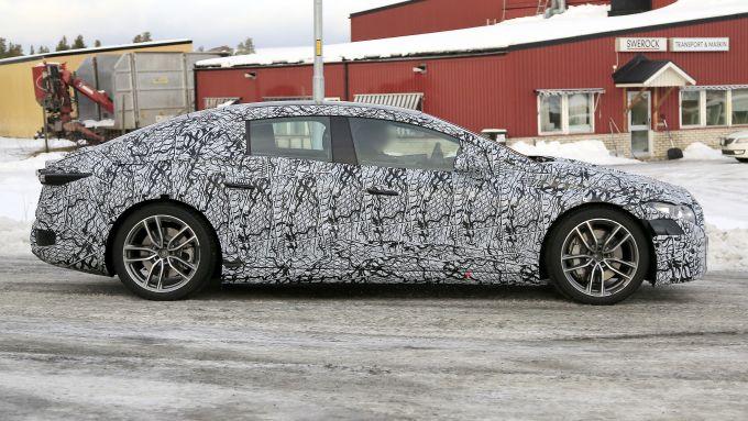 Mercedes EQS 2021: i prototipi durante i test invernali in Scandinavia