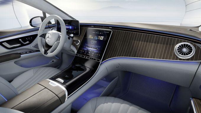 Mercedes EQS: la plancia di serie sarà simile a quella della Classe S