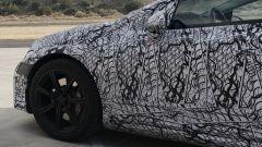 Mercedes EQS: particolare dell'anteriore
