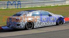 Mercedes EQS: visuale di 3/4 posteriore