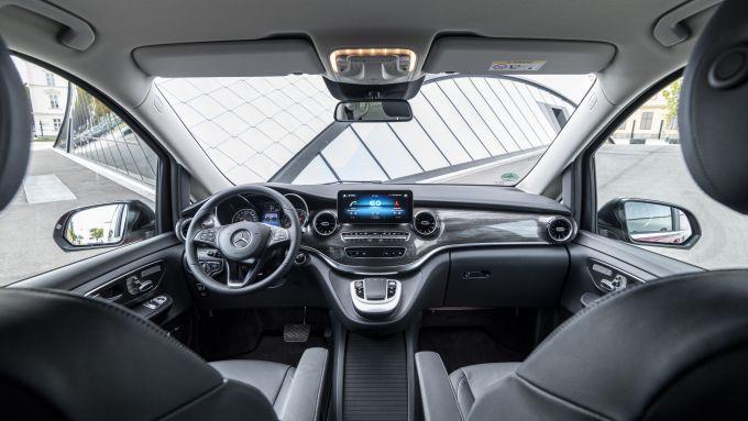 Mercedes EQV: gli interni