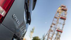 Mercedes EQV: il badge posteriore