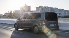 Mercedes EQV: il van di lusso ora è a batterie