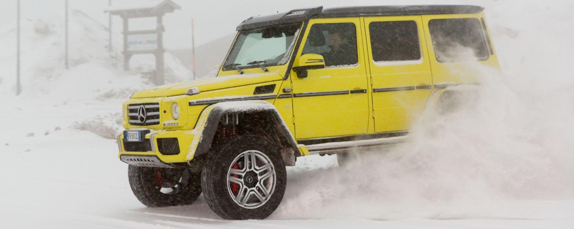 Mercedes G 500 4x4²: alla guida di un monster truck