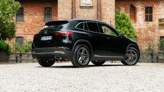 Mercedes GLA 200 d Automatic Premium 2020: vista 3/4 posteriore