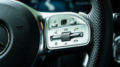 Mercedes GLA 200 d Automatic Premium, comandi sulla razza destra del volante