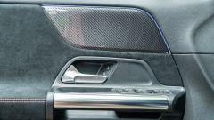 Mercedes GLA 200 d Automatic Premium, dettaglio della maniglia della portiera