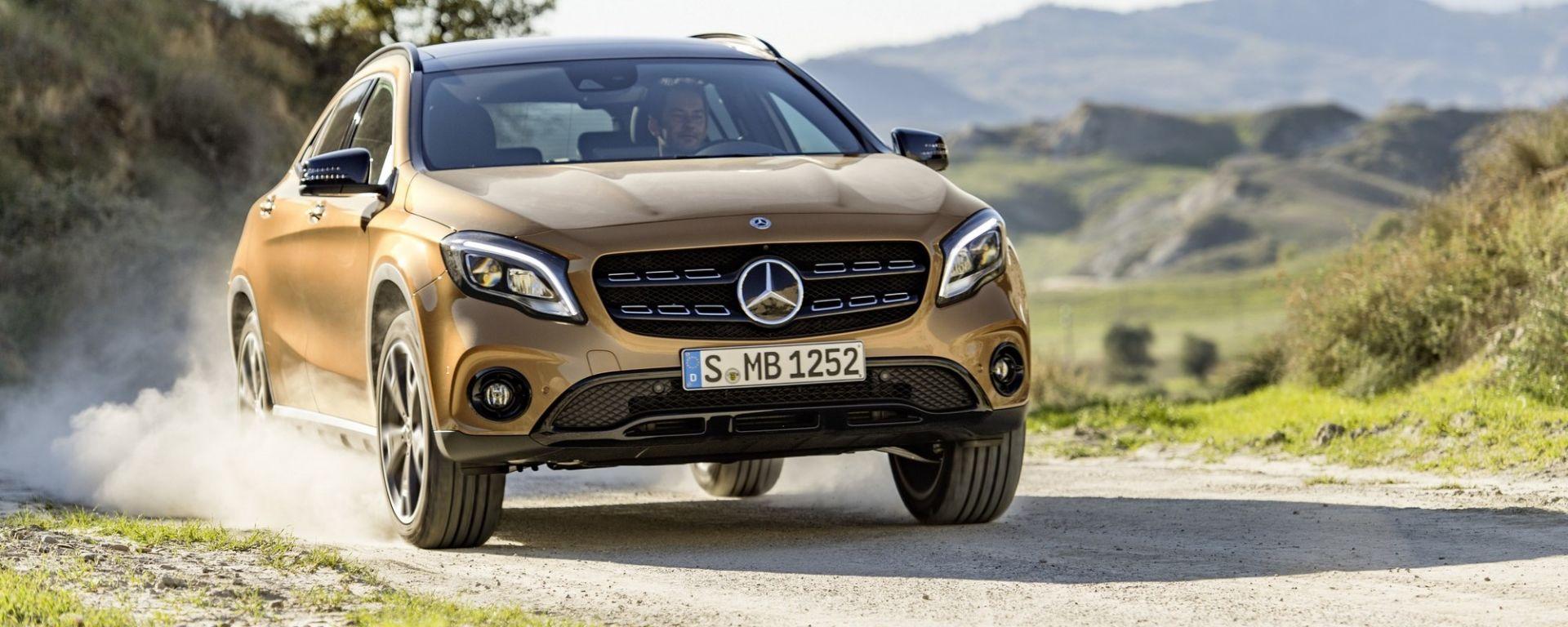 Mercedes GLA 2017, la prova del restyling