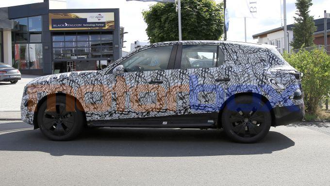 Mercedes GLC 2022, lato sinistro