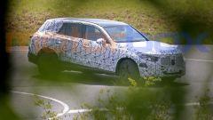 Mercedes GLC 2022: vista 3/4 anteriore
