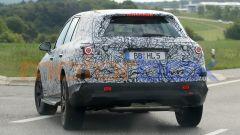 Mercedes GLC 2022: vista 3/4 posteriore