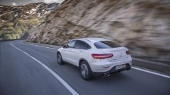 Mercedes GLC Coupé: la coda da sportiva si integra bene ai muscoli da suv