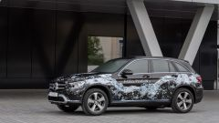 Mercedes GLC F-Cell: il primo SUV a idrogeno con batteria al litio che si ricarica dalla presa