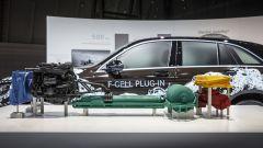 Mercedes GLC F-Cell: la meccanica con i serbatoi dell'idrogeno in evidenza