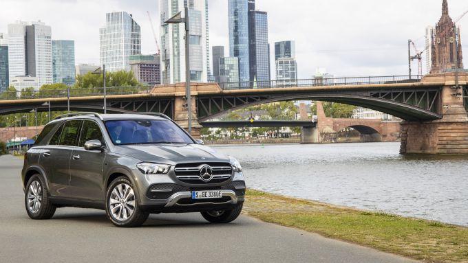 Mercedes GLE 350 de 4matic: fino a 100 km di autonomia EV