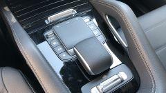 Mercedes GLE 350 de 4Matic: il touchpad e i comandi per il setup al centro del tunnel