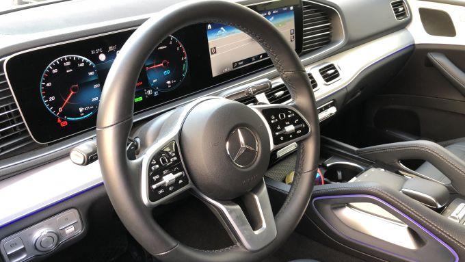 Mercedes GLE 350 de 4Matic: l'abitacolo lussuoso e accogliente