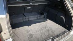 Mercedes GLE 350 de 4Matic: nel capiente bagagliaio ci sono le sacche dei cavi di ricarica