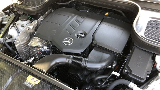 Mercedes GLE 350 de: il nuovo motore diesel ibrido da 320 CV e 700 Nm complessivi