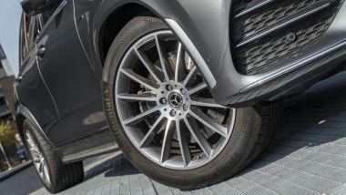 Mercedes GLE 350de EQ POWER 4MATIC, la ruota anteriore
